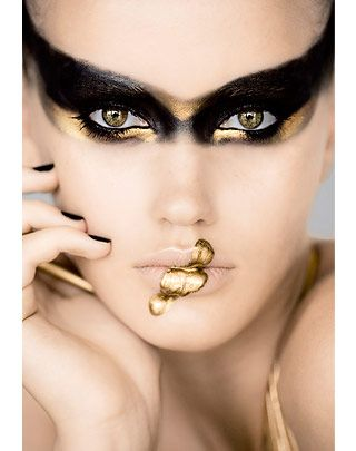 black & goldBeautiful Makeup, Eye Makeup, Black Swan, Halloween Makeup, Gold Makeup, Makeup Ideas, Black Gold, Hair, Forefront
