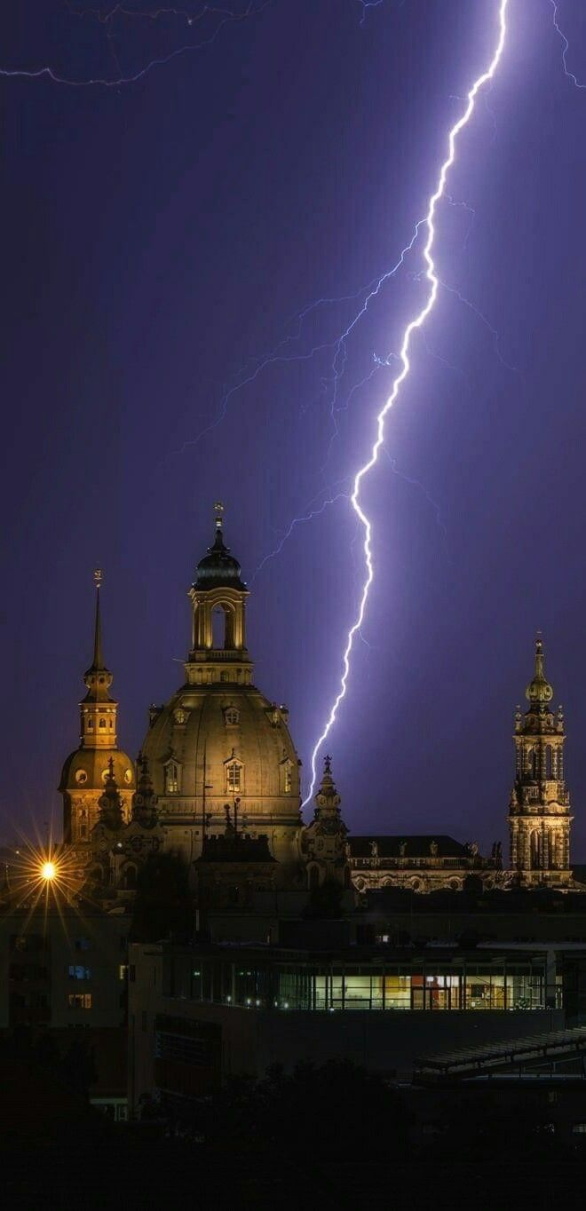 1351 best Piorun images on Pinterest | Lightning storms Lightning strikes and Nature : weather lighting - azcodes.com