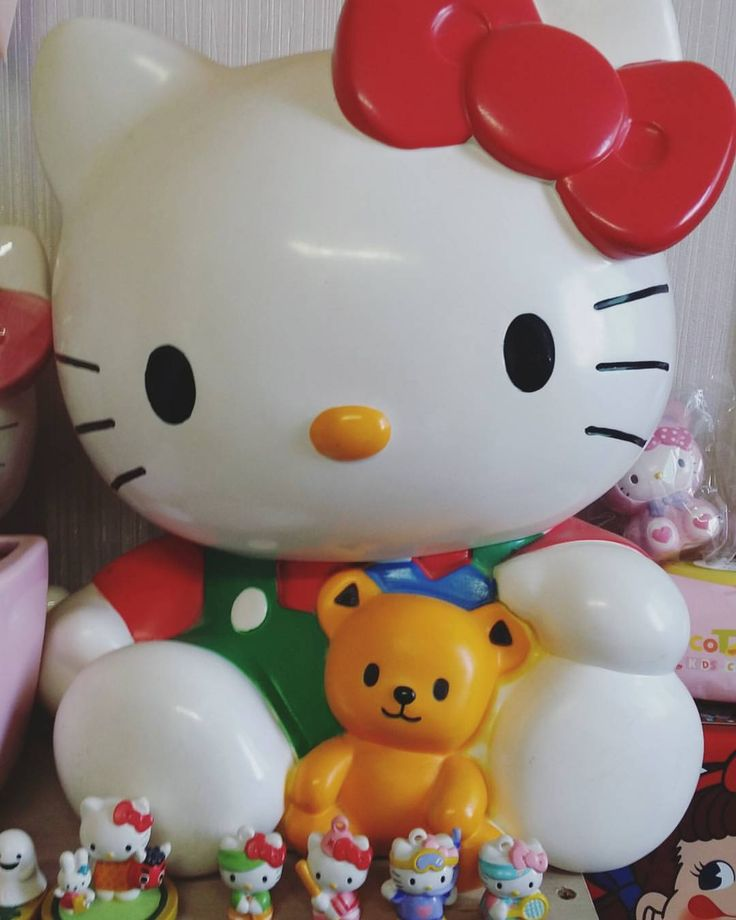 """155 Likes, 3 Comments - Ruby⭐ Hello kitty⭐ (@ruby_ruby11) on Instagram: """" #hellokitty #hellokittylover #hellokittycollection #hellokittycoinbank #hellokittycollector…"""""""