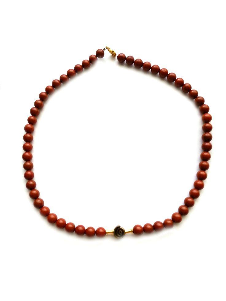 Halskette aus Jaspisperlen 8mm, und 3 Metallperlen goldfarben,Länge ca. 48cm, Verschluss Karabiner goldfarben, nickelfrei, friedericke-design, 100% Handarbeit - Unikat