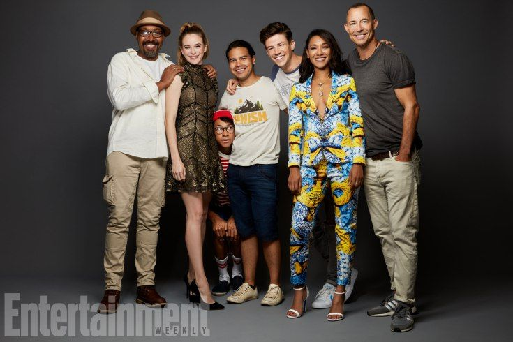 Jesse L. Martin, Danielle Panabaker, Keiynan Lonsdale, Carlos Valdes, Grant Gustin, Candice Patton, and Tom Cavanagh (The Flash)