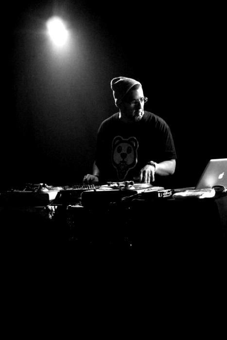 How You Can Help DJ Official |@djofficialdj @trackstarz - http://trackstarz.com/can-help-dj-official-djofficialdj-trackstarz/