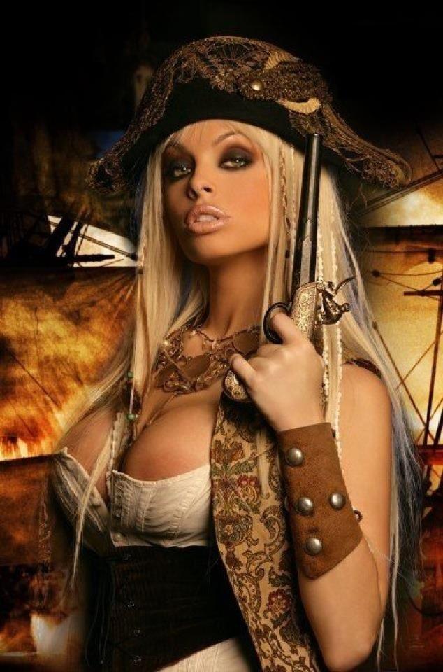 Hot sexy pirate girls