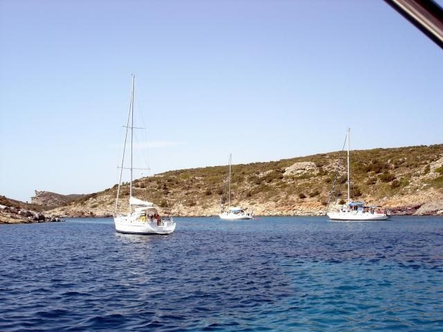 Tselevinia (Skylli and Spathi) are small inhabited islands at the eastern part of Peloponnisos. They are located between Poros and Hydra and have great isolated beaches with blue-coloured waters. Learn more: http://sail-la-vie.com/discover/location/3201