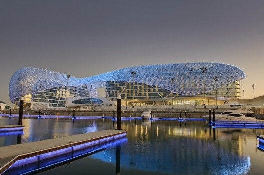 Building of the year 2009 hotels restaurants the yas for Livres architecture batiment construction