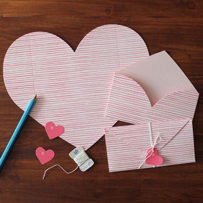 LUV LETTER-PINK STRIPE / heart letter