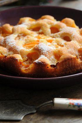 Torta escondida, esta es de damasco, yo la hago siempre de manzanas o con arándanos queda también increíble.