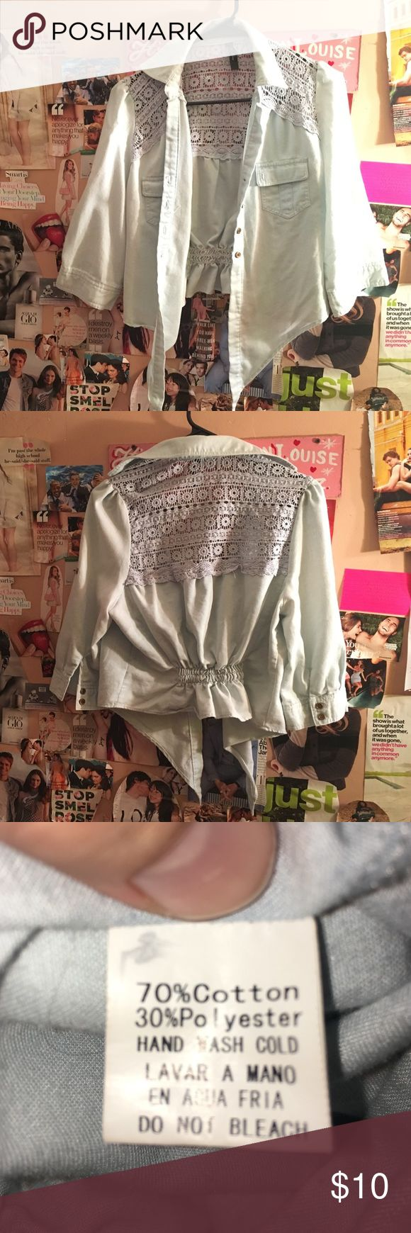 Long sleeved cropped jean top. Long sleeve tie up Jean crop top with lace details. Uno Coré Tops Crop Tops