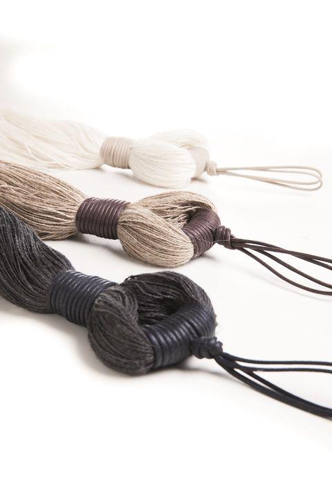 L'essència del lli feta abraçadora. La esencia del lino hecha abrazadera. #temptation #ontario #fabrics #tieback
