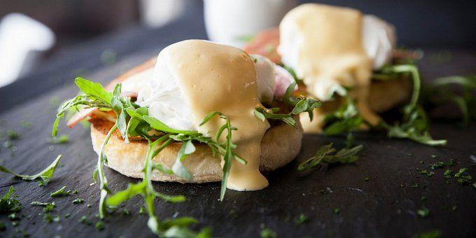 Milujete vajíčka k snídani? Pak se inspirujte našimi recepty, abyste nemusela střídat míchaná vajíčka s vejci na hniličko. Chutných pokrmů z vajec totiž existuje mnohem víc!