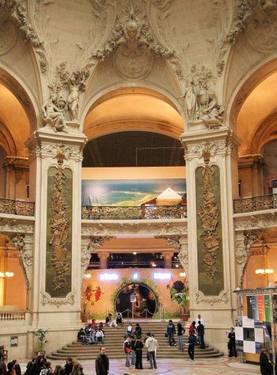 Palais de la Découverte - Universcience, Inside the Grand Palais, Avenue Franklin D Roosevelt, Paris 8. Closed Monday. (PMP29)