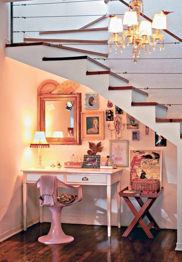 Aproveitando o espaço em baixo da escada