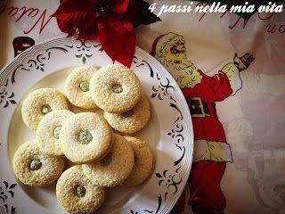 Dolci: Biscotti occhio di bue con crema al pistacchio (e AUGURI!)