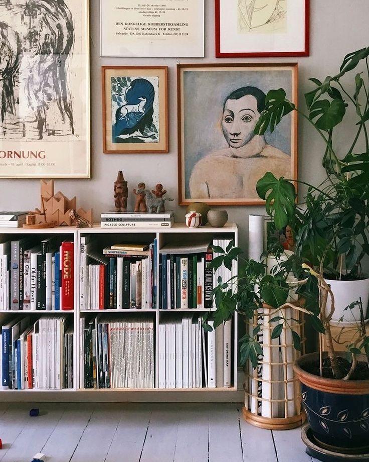 Hannah On Instagram Bookshelf And Gallery Wall Inspo Via Pinterest Bookshelf Bookshelfstyling Boo Gallery Wall Gallery Wall Decor Home Living Room