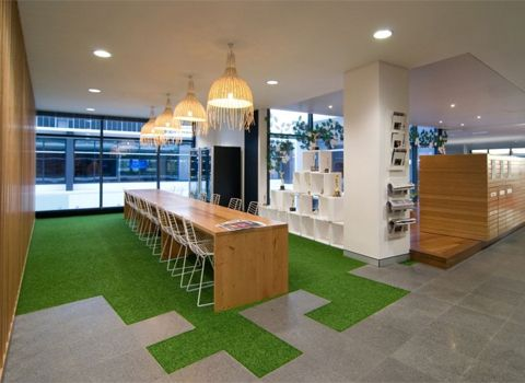Decorative BBC Worldwide Office Meeting Room Interior With Green Carpet