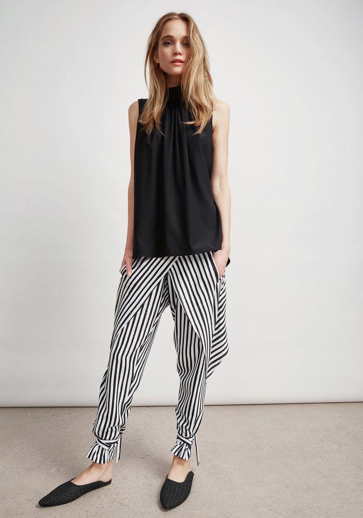 Sally Phillips – Adelaide Fashion Designer - S   S 1 8