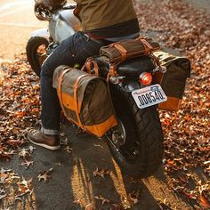 """""""Here's that vintage motorcycle luggage system you were looking for. @pack_animal's on the blog today. Go back their Kickstarter.  #Honda #CX500 #MadeInUSA…"""""""