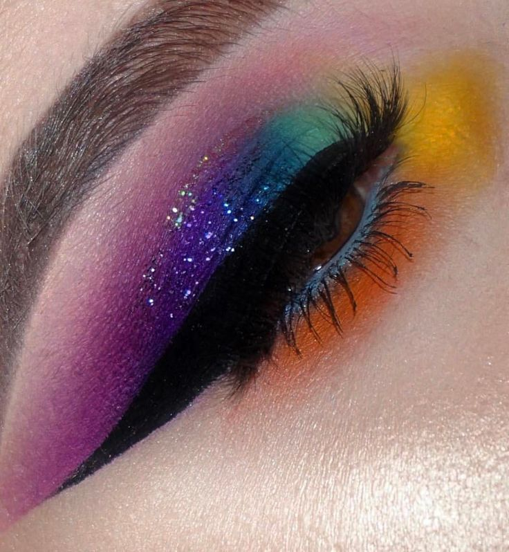 "401 Likes, 2 Comments - LUXY LASH (@luxylash) on Instagram: ""Taste the rainbow! How amazing is this colorful glam by ✨@artistrybykacy✨ wearing #LuxyLash…"""