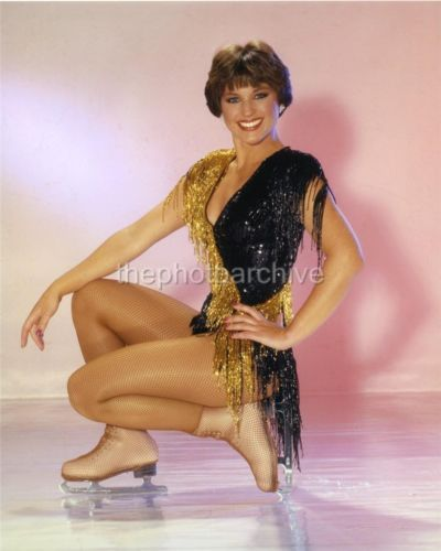 Superb High Resolution Glamour Dorothy Hamill Embossed