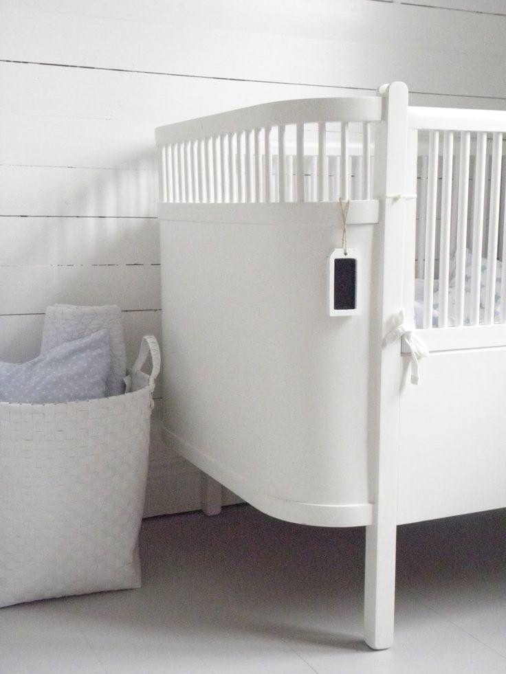 bygga garderob runt säng - Sök på Google