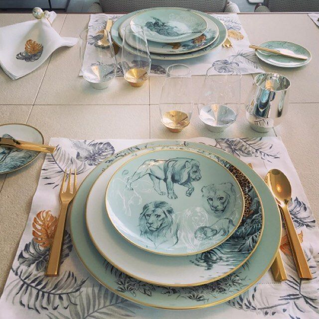Don't set sail for the #tropics without this #Hermes #tableware. Seen at #MYS2016. Follow the link in our profile to see more #luxury #tablesetting. #HarlequinLDN #SEATIPS #dining #finedining #lions #tropical #placesetting #superyacht #superyachts #yachtlife
