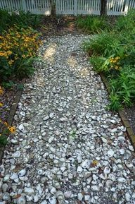 Beaches House, Gardens Paths, Crushes Oysters, Flower Gardens, Shells Paths, Oysters Shells, The Beach, Flowers Garden, Oyster Shells
