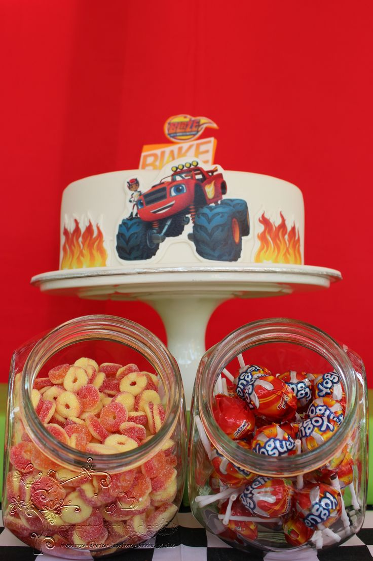 Blaze and the Monster Machine Birthday Cake & Candy Jars #BlazeAndTheMonsterMachine #LetsBlaze
