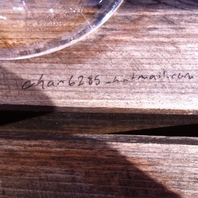 @hotmail table graffiti.