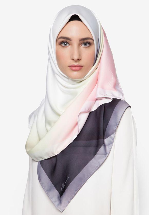 Tudung Bawal Premium Exclusive Aurora Satin Shawl Italian Pucci By Cloverush Fesyen Tudung Terkini 2016 & 2017 3 Boleh beli di sini : http://invl.co/9tr