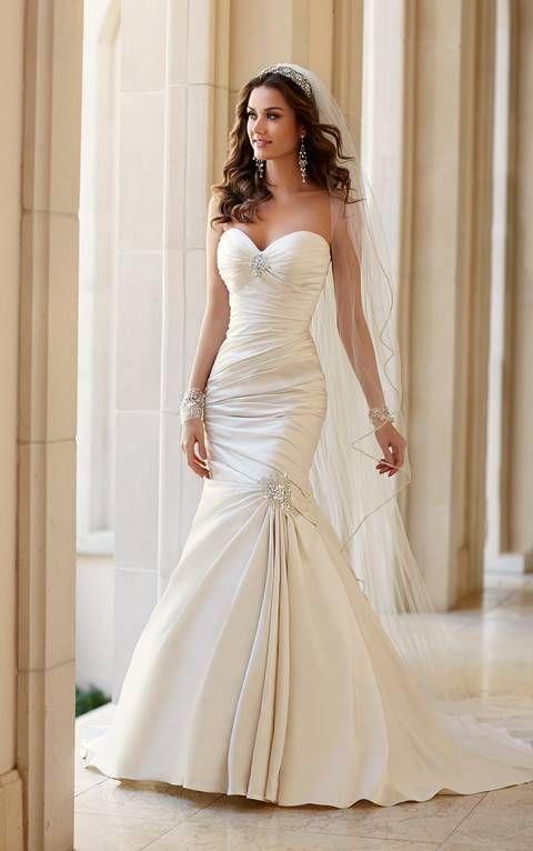 vestidos de novia marfil+sirena+espalda descubierta+raso+encaje - Buscar con Google