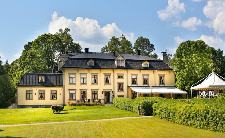 Countryside Hotels Sweden - Hennickehammars Mansion, a Mansion property, located in Värmland, Sweden  http://www.historichotelsofeurope.com/property-details.html/hennickehammars-mansion