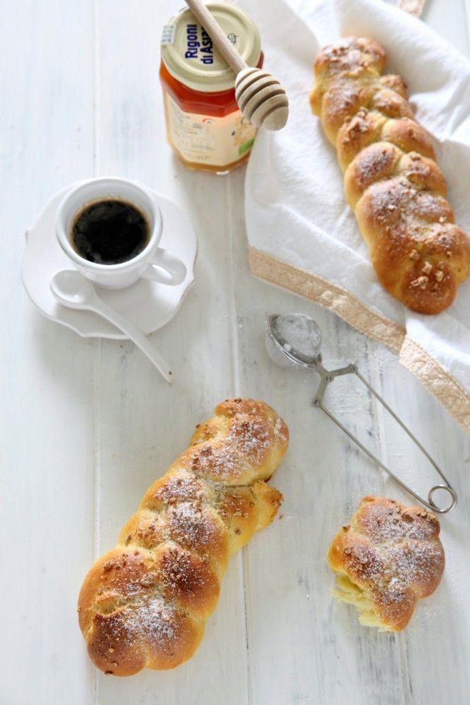 Buongiorno amici! Avete fatto una buona colazione questa mattina? #brioche #mielbio