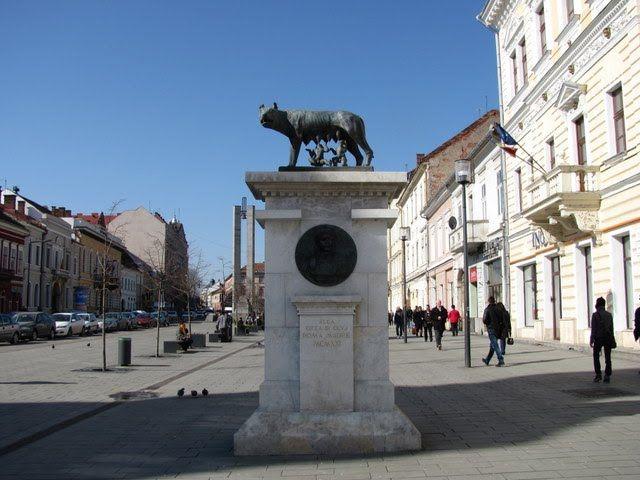 Cluj-Napoca, Romania - Bd. Eroilor - Lupa Capitolina - (2011.03.22)