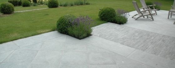 Terras pierre recherche google id terrasse pinterest for Carrelage pierre bleue belge prix