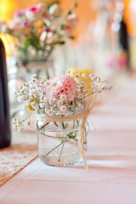 Centres de table dahlia et gypsophile rose blanc for Bouquet de fleurs centre de table