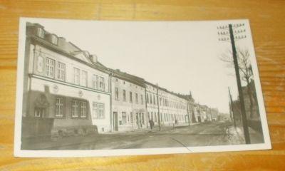 Trutnov Polská ulice stará zástavba lidé (217316)
