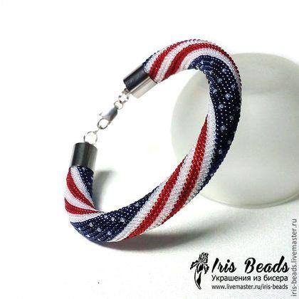 Купить или заказать Жгут из бисера Браслет 'Американский флаг' в интернет-магазине на Ярмарке Мастеров. Браслет связан из мелкого японского бисера toho №15. Толщина браслета 1 см, подходит для запястья 16-17 см Другие мои жгуты из бисера можно посмотреть тут www.livemaster.ru/iris-beads?cid=484447 ------------------------------------------------------------------------- Если вас заинтересовали мои украшения и вы хотите получать информацию о новинках моего магазина, в колонке слева есть…
