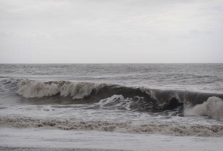 La Palman saarella aallot ovat yhtä mustanpuhuvia kuin laavahiekkaiset rannat.