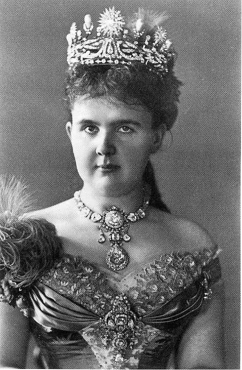 Queen Emma of the Netherlands, 1882. Apparently, the top part of the diadem (the diamond stars and the upright pearls) is still in the vaults. And the laurel wreath base, my favorite part, is reportedly broken. It's not as if The Netherlands has a shortage of tiaras.