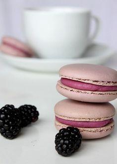 Blackberry Macarons & tea: tô apaixonada pelos MACARONS!