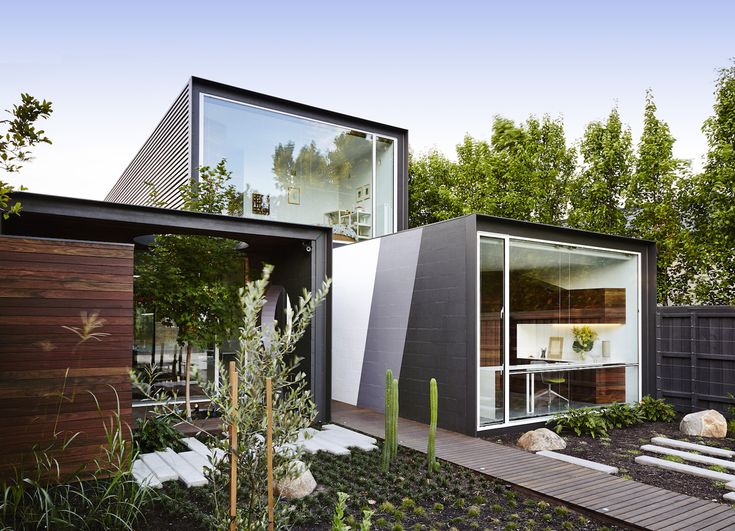 Melbourne home is reconfigured to bring in light and emphasize privacy Austin Maynard Architects's green renovation Alfred House –…