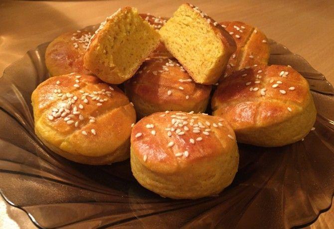 Sütőtökös pogácsa Anadrog konyhájából recept képpel. Hozzávalók és az elkészítés részletes leírása. A sütőtökös pogácsa anadrog konyhájából elkészítési ideje: 60 perc