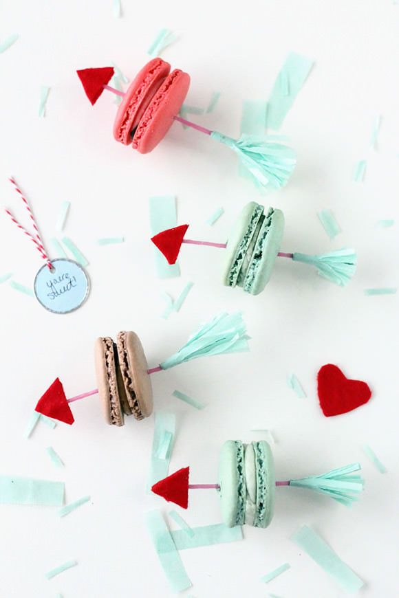 DIY valentine's day arrow cookies