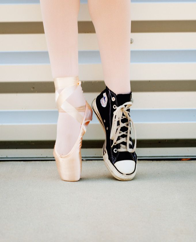 Gorgeous Pointe Ballet Photography Session | Two Bright Lights :: Blog