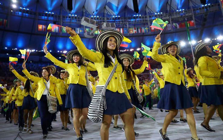 Atletas da Colômbia entram no Maracanã durante a cerimônia de abertura dos Jogos Olímpicos Rio 2016