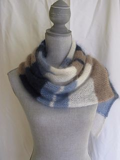 Soft Striped Scarf by Oignon Oignon. Free pattern!