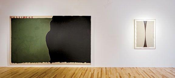 Les oeuvres de Richard Mill et Ellsworth Kelly présentées dans l'exposition «Chacun montre à chacun» à la Galerie Trois Points // Lire l'article «Peinture partout» de Jérôme Delgado dans Le Devoir