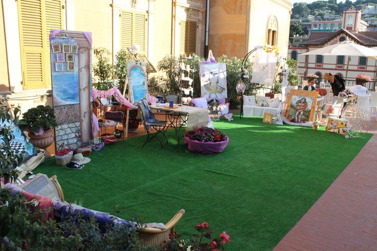 mostra di quadri e tombolo sulla nostra terrazza...bravissime Marzia e Michela!!!! Lace and painting exhibition in our terrace...good job Marzia and Michela!