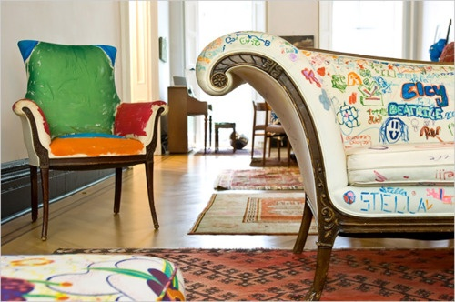 Kids decorate the couch.: Idea, Graffiti Furniture, Kids Style, For Kids, New York Time, White Couch, Sofas, Art Rooms, Kids Rooms