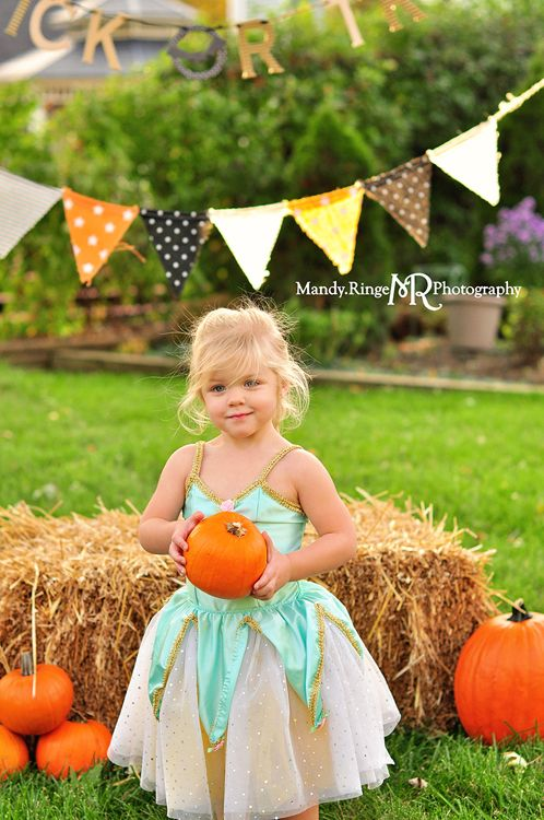 Halloween costume mini session // hay bale, pumpkins, gourds, pennant banner, trick or treat, outdoors // St. Charles, IL // by Mandy Ringe photography